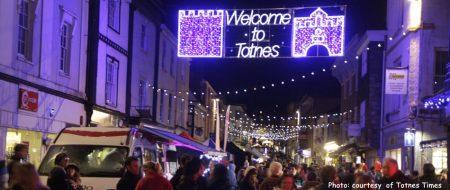 Totnes Christmas Late Night Shopping @ Totnes Christmas Late Night Shopping   Totnes   England   United Kingdom